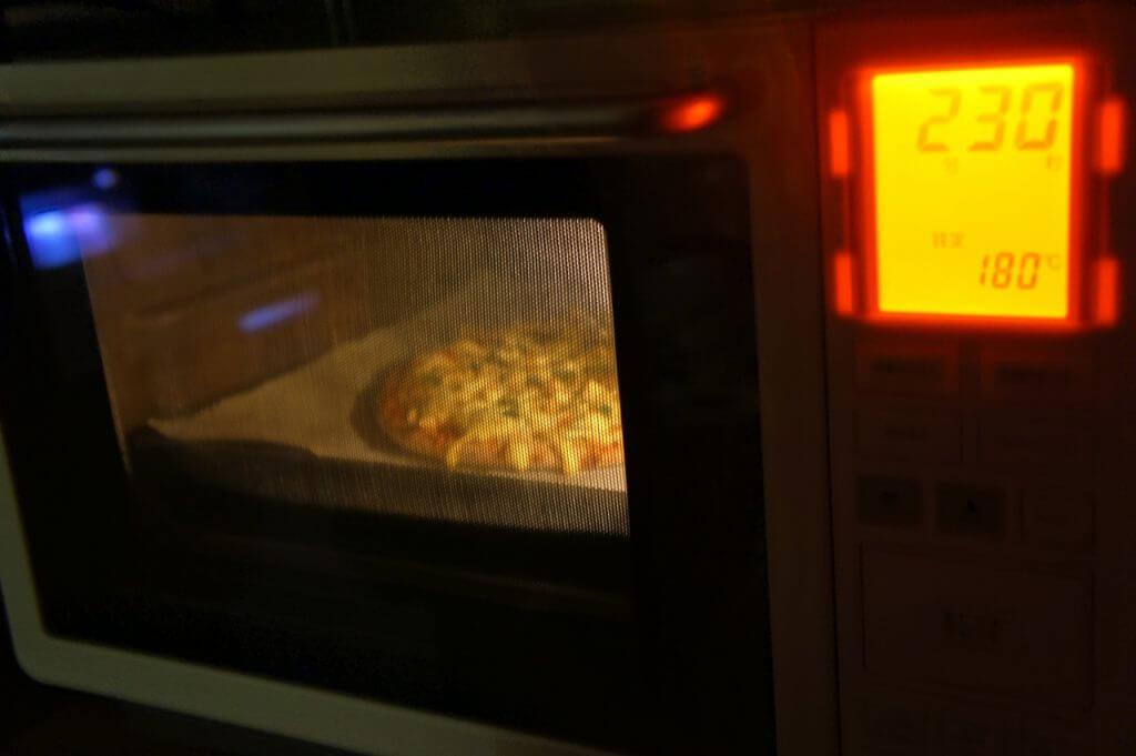 【簡単】冷凍のピザが電子レンジ不可の場合の温め方 2