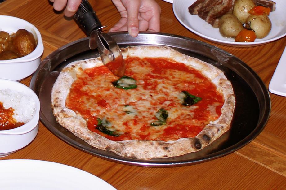 【失敗しない】プロが教える美味しいピザ屋さんを見分けるコツ 4
