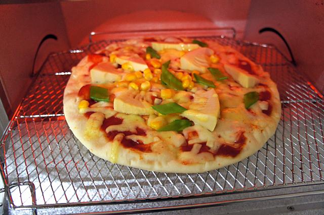 冷凍のピザを温めるなら電子レンジ?オーブン?それぞれの違い 3