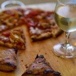 『ピザとワインの相性はバツグン!ピザに合うのは赤?それとも白?』