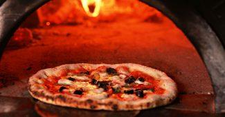 【ピザ対決】ファミレスのピザとフォンターナの通販ピザを比較してみた 2