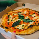デリバリーピザ