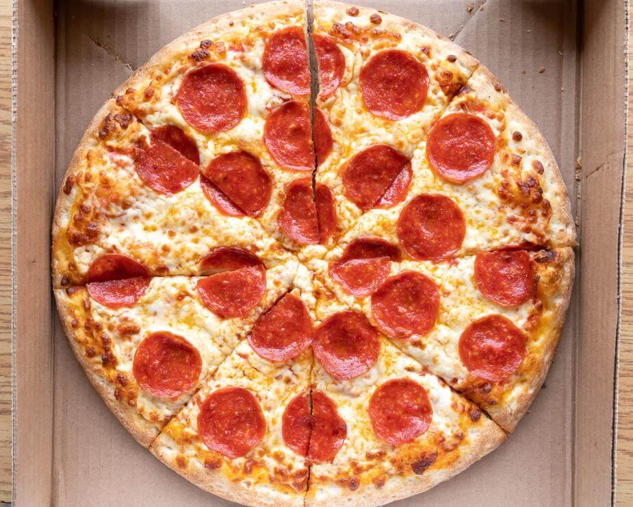 肉汁したたる、ウマいソーセージピザが食べたい!人気配達店まとめ 2